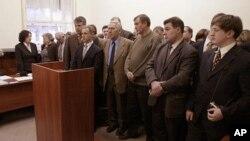 Приверженцы веры «Свидетели Иеговы» в суде