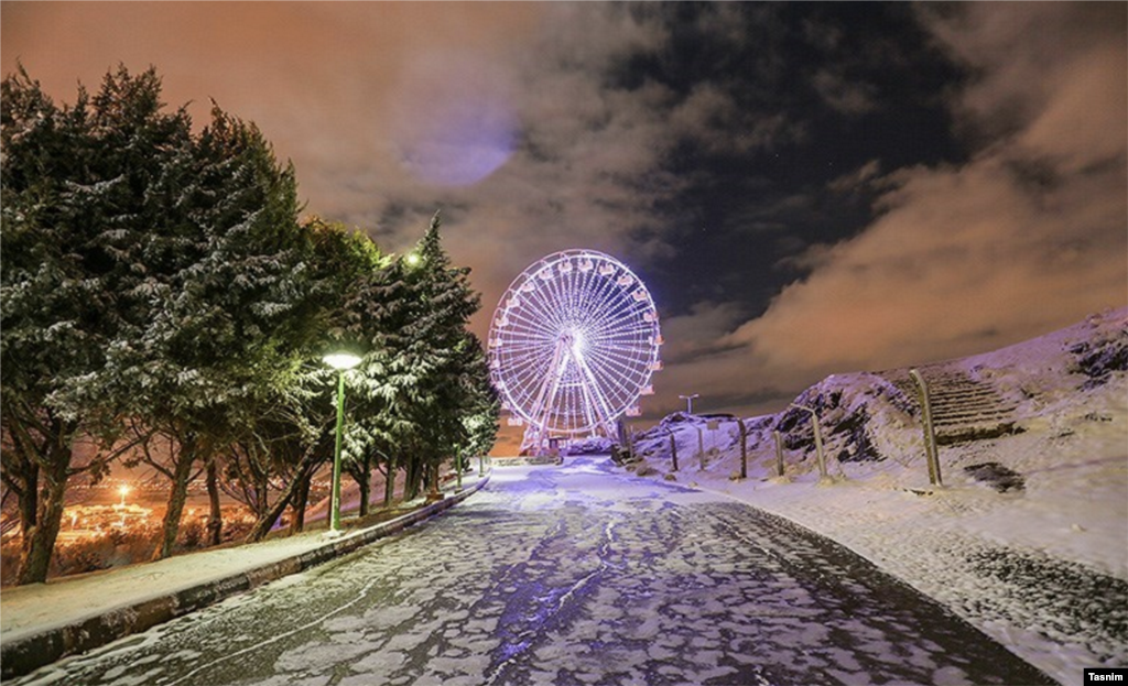 بارش برف در مبارکه اصفهان عکس: مرتضی صالحی