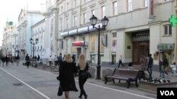 俄羅斯願旁觀中美相鬥。圖為莫斯科街頭。