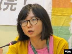 台湾人权促进会秘书长邱伊翎 (美国之音张永泰拍摄)