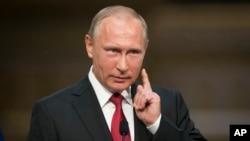 پوتین پیشتر هرگونه نقش روسیه را تکذیب کرده بود.