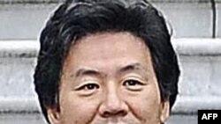 Bộ trưởng Tài chính Nhật Jun Azumi nói điều quan trọng đối với Đức là phải tạo ra điều ông gọi là một 'bức tường lửa' để khống chế cuộc khủng hoảng