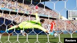 Diego Benaglio, le gardien international suisse de 33 ans de Wolfsburg engagé à Monaco, J1er juillet 2014.