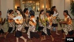 Estudiantes de la escuela Deal en Washington durante una actividad organizada por la embajada de Indonesia.
