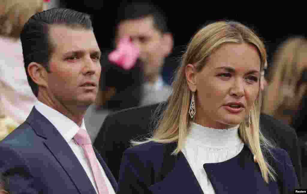 پسر پرزیدنت ترامپ به همراه همسرش در مراسم سالانه عید پاک مسیحیان در کاخ سفید شرکت کردند.