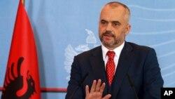 PM Albania Edi Rama menunda kunjungan yang direncanakan ke Serbia (foto: dok).
