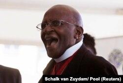 L'Archevêque Desmond Tutu au Cap le 30 novembre 2015.