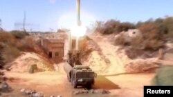 Hình chụp từ video được Bộ Quốc phòng Nga công bố ngày 15/11/2016 cho thấy Nga phóng tên lửa Oniks tại một địa điểm bí mật ở Syria.
