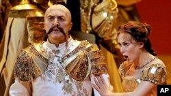 Паата Бурчуладзе в роли Кочубея в опере П.И. Чайковского «Мазепа»