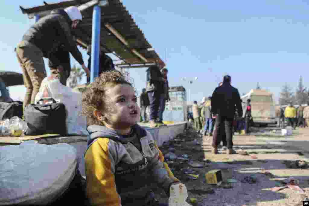 ترک وزیر خارجہ کے مطابق حلب سے 37 ہزار لوگوں کو نکالا جا چکا ہے۔