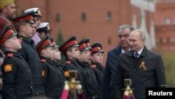 Президент Росії Володимир Путін на святкуваннях 9 травня у Москві 2021 р.