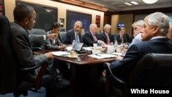 El presidente Barack Obama se reunió durante el día con su equipo de Seguridad Nacional para discutir la situación en Egipto. [Foto: Casa Blanca]