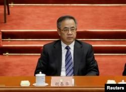 中共广东省委书记胡春华在全国政协会议上(2016年3月)