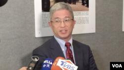 台灣外交部次長徐斯儉2019年10月21日在美國首都華盛頓接受記者訪問(美國之音許寧拍攝)