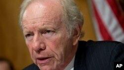 利伯曼参议院主持参议院国土安全委员会听证