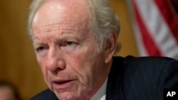 Senator Joe Lieberman leads a hearing of the Senate Committee on Homeland Security and Governmental Affairs, September 19, 2012.