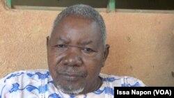 Pierre Tassembedom, un client, au Burkina Faso, le 11 septembre 2017. (VOA/Issa Napon)