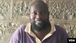 UMnu. Michael Sibindi, odabuka eZimbabwe osanda kuphiwa amaphepha okuba yisizalwane sakwele Kenya. (VOA Ndebele)