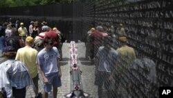 Вашингтон. Мемориал ветеранов Вьетнама.