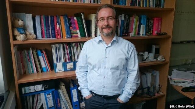 Profesör Dr. İbrahim Sirkeci