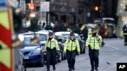Policija je blokirala područje Londonskog mosta nakon sinoćnjeg napada
