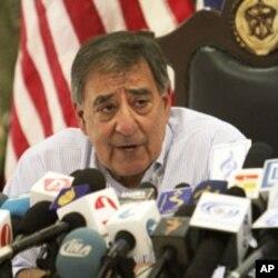 AQSh Mudofaa vaziri Leon Panetta, Kobul, 7-iyun, 2012