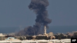 Israel setuju menghentikan serangan di Gaza selama 5 jam hari Kamis (17/7), sementara korban tewas mencapai 213 orang.