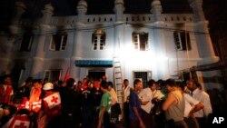 2일 새벽 화재가 발생한 버마 랑군 시 이슬람 사원 내 학교.