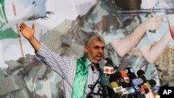 «یحیی سینوار» که از او به عنوان یکی از «اعضای تندروی حماس» نام برده می شود سال ۲۰۱۱ از زندانی در اسرائیل آزاد شده بود.