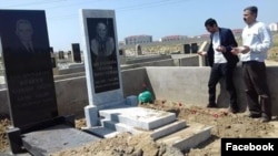 Mehman Qələndərovun məzarı (Foto Oqtay Gülalıyevin Facebook səhifəsindən götürülüb)