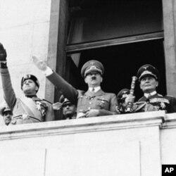 希特勒1939年与意大利官员在一起