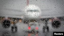 Más de 300 vuelos fueron cancelados por el mal tiempo en todo Estados Unidos, siendo el más afectado el aeropuerto de Chicago.