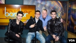 Il Volo and Larry London in studio