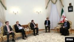 تصویری از دیدار وزیر اقتصاد و انرژی آلمان با حسن روحانی؛ آلمان بیشترین تعداد هیات اقتصادی را به ایران فرستاده است