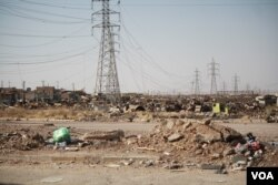 Soldiers say they believe IS militants were hiding in this abandoned industrial area, which is known to be sitting on a maze of bomb-riddled IS tunnels in Mosul, Iraq, June 30, 2017. (H. Murdock/VOA)