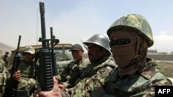 Afg'on askarlari, Kobul, 27 aprel 2011