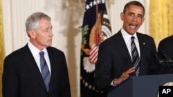 美國總統奧巴馬(右)與國防部長哈格爾(左)