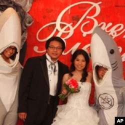 """越来越多的香港年轻人选择""""无翅婚宴"""""""