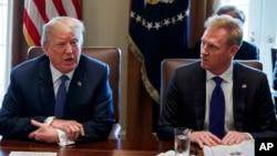Predsednik Tramp i Patrick Shanahan (arhivska fotografija)