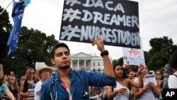 Protesti protiv ukidanja DACA-e u Vašingtonu