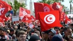 Tunisians Defy Terrorists