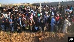 په ١٩٩٢ کې ملگرو ملتونو د څلور عشاریه شپږ میلیونو افغان مهاجرو سره مرسته کوله