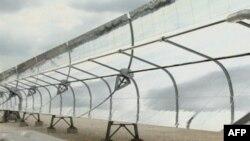Ogledala u italijanskoj solarnoj elektrani