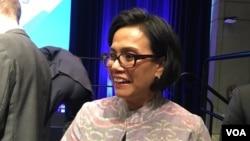 Menteri Keuangan Sri Mulyani Indrawati dalam pertemuan Bank Dunia dan Dana Moneter Internasional (IMF) di Washington, DC (7/10). (VOA/Eva Mazrieva)