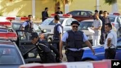 Polisi Libya melakukan siap melakukan patroli di Benghazi (foto: dok). AS meminta Libya meningkatkan pengamanan fasilitas AS di Libya pasca tewasnya tokoh kedua al-Qaida yang berasal dari Libya: Abu Yahya al-Libi.