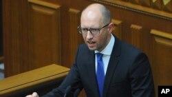 Thủ tướng Ukraine Arseniy Yatsenyuk nói rằng mục tiêu của ông Putin là chiếm đoạt toàn bộ Ukraine.