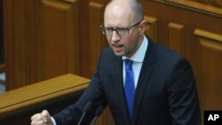 우크라이나의 아르세니 야체뉵 총리 (자료사진)