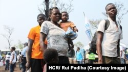 Des familles ayant fui le Kasaï arrivent à Lóvua au nord de l'Angola, en 2017. (© HCR/ Rui Padiha)