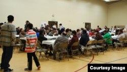 Acara berbuka puasa di Masjid Islamic Society of Greater Chattanooga, TN sebelum terjadi pandemi COVID-19 (foto: courtesy).