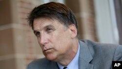 Thống đốc bang North Carolina Pat McCrory tại dinh thự ở Raleigh, North Carolina, ngày 12 tháng 4 năm 2016.